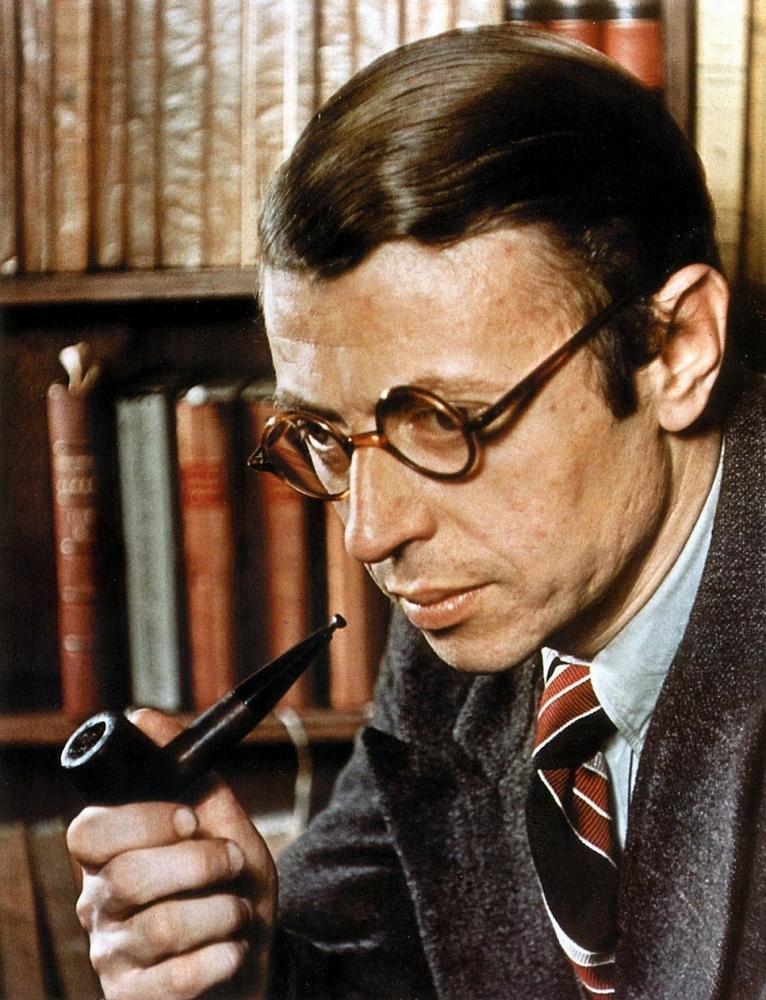 Жан-Поль Сартр с трубкой